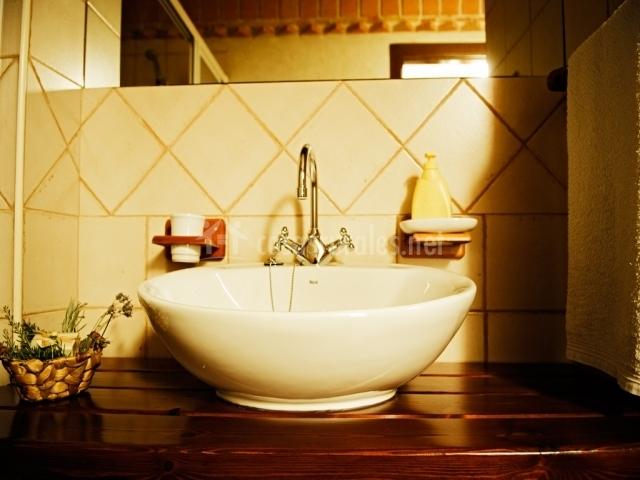 Habitacion III con baño y TV