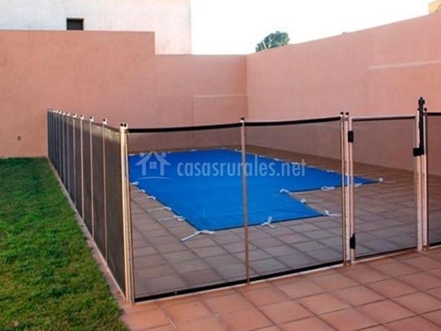 Can centena en vilamacolum girona - Casa rural con piscina cubierta ...