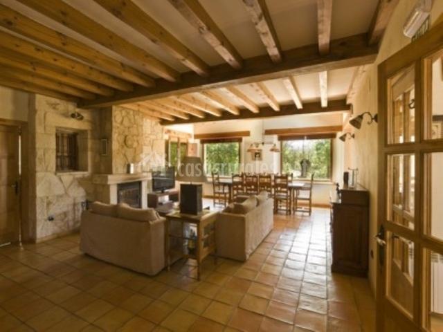 La casa de la sierra en orejana segovia - Casas rurales modernas ...