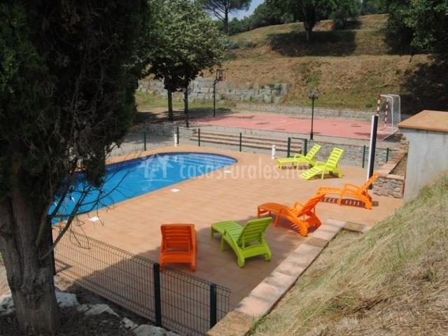 Can cua en sant gregori municipio girona for Hamacas de piscina