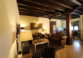 Sala de estar en madera