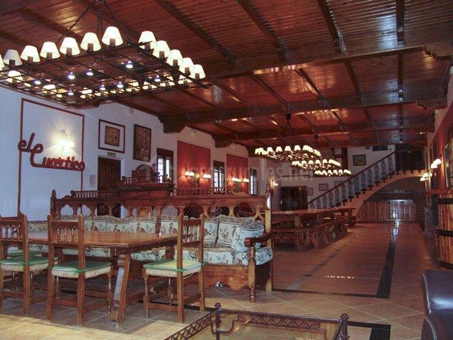 Amplio salón comedor