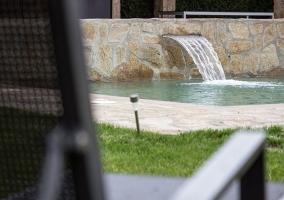 Chorro de masaje en la piscina