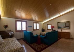 Sala de estar en la buhardilla