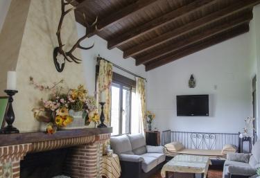Casa Rural El Portezuelo - Fuenlabrada De Los Montes, Badajoz