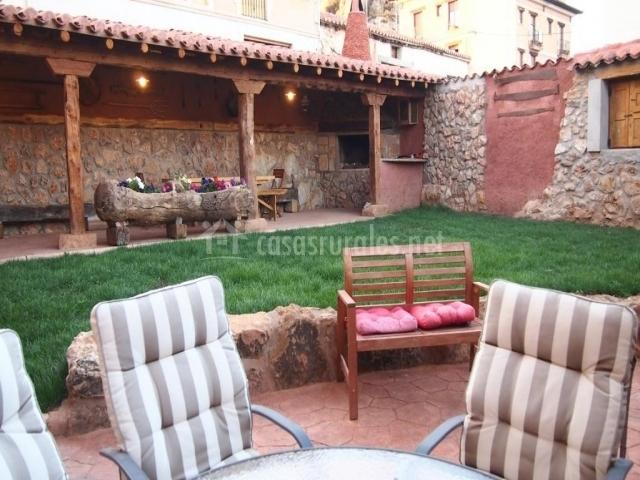 Casa los barruecos en pinilla de los barruecos burgos - Casa muebles jardin ...