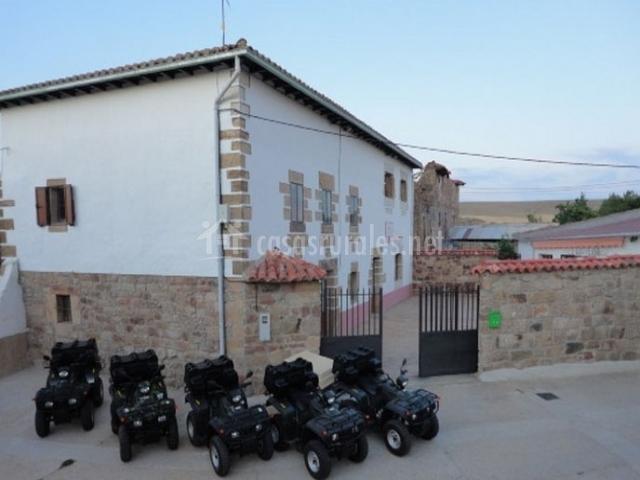 Casa rural con quads