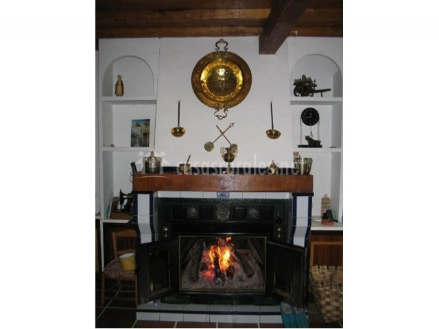 Casa rural nabera en endrinal de la sierra salamanca - Chimeneas en salamanca ...