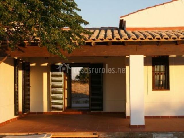 Sierra de san blas en cheles badajoz for Fachadas de casas con porche