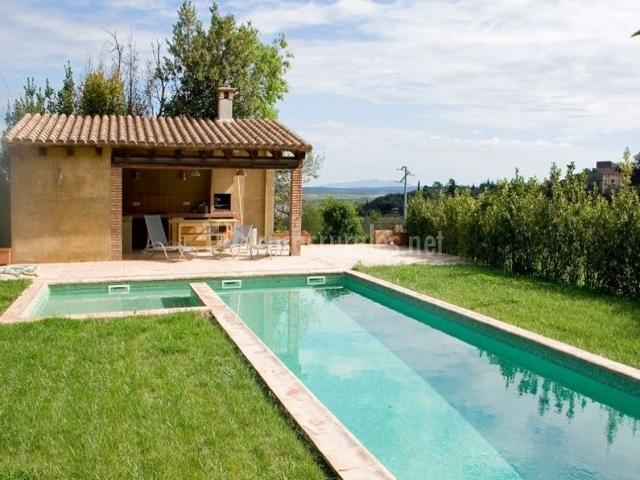 Cal rei vinyes en celra girona for Casa rural girona piscina
