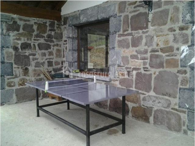 Matxonea en pueblo leiza leitza navarra for Mesa de ping pong exterior