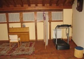 Habitación con piano