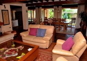 Zona de sofás en el salón