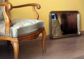 Habitación detalle de silla