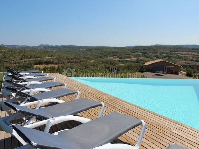 Casa nova del pujol en santa maria de merles barcelona for Hamacas de piscina