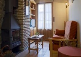 Cocina abierta con muebles de madera