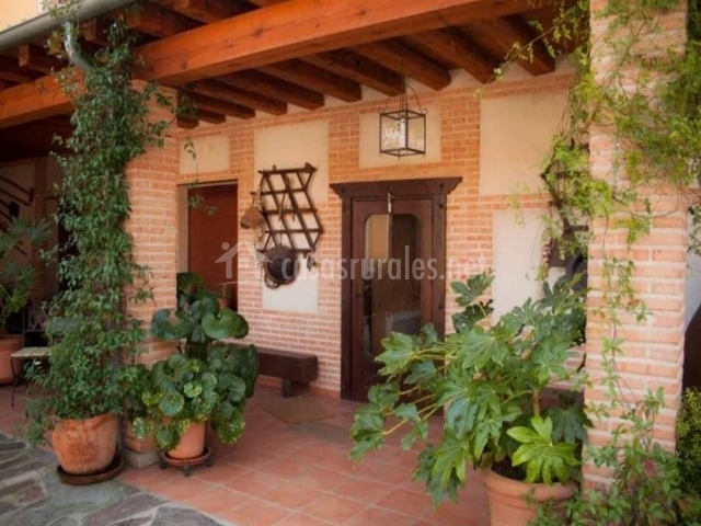 Casa rural la se orita en el carpio de tajo toledo for Casa rural jardin del desierto
