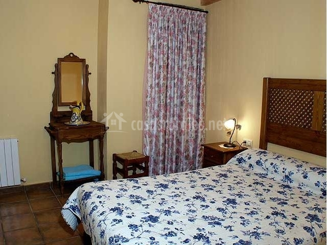 El mirador de poyatos apartamento azul en poyatos cuenca - Colchas dormitorio matrimonio ...