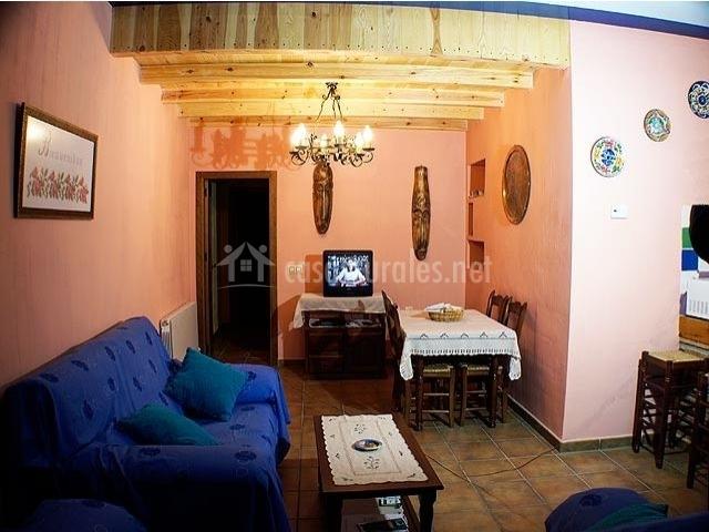 El mirador de poyatos apartamento azul en poyatos cuenca for Sala mirador