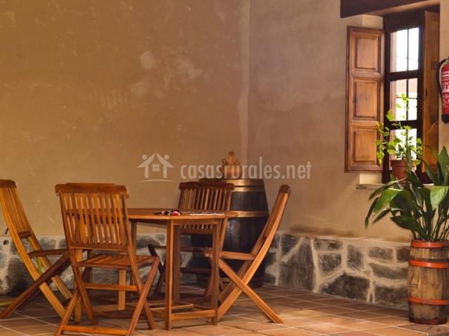 Mesa en la terraza del patio
