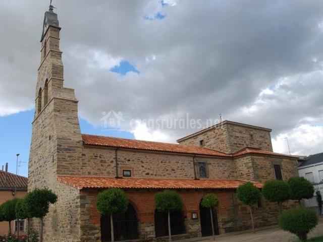 Iglesia parroquial de Santibáñez de la Isla