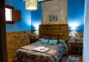 Dormitorio de matrimonio en azul