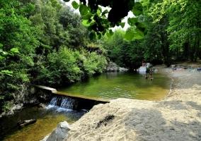 Baño en el ro Muga, Girona
