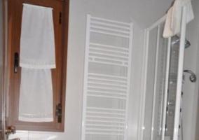 Aseo con ducha y ventana
