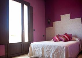 Dormitorio Granada con balcón