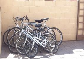 Vistas del exterior con bicicletas