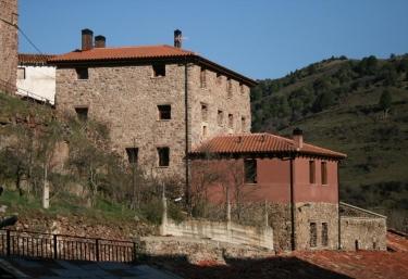 La Almazuela - Montenegro De Cameros, Soria