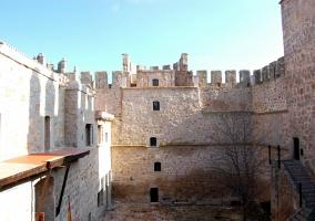 Castillo de los condes de Orgaz.JPG