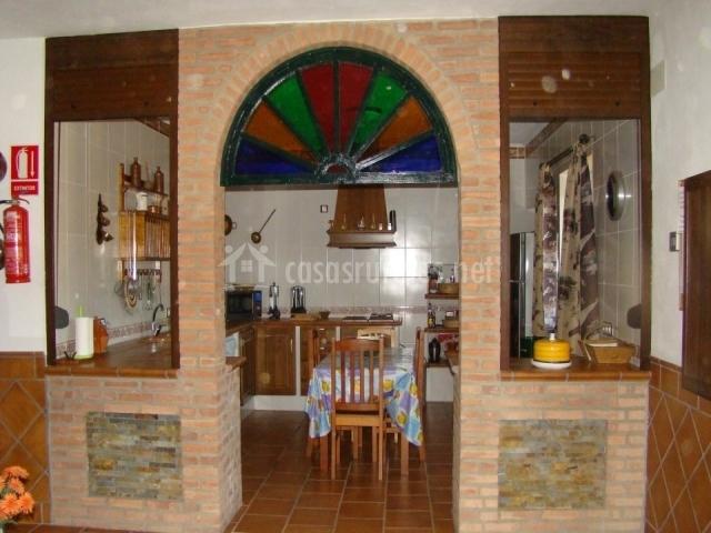Casa rural la galvana en aracena huelva - Cocina de ladrillo ...