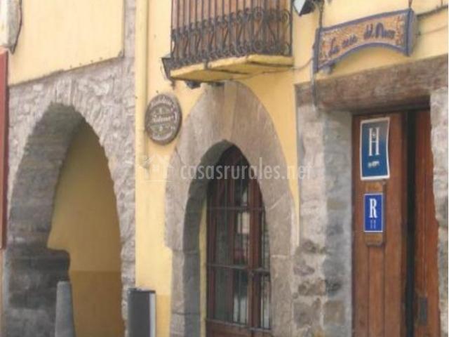 La casa del arco en jaca huesca - Hotel puerta del arco ...