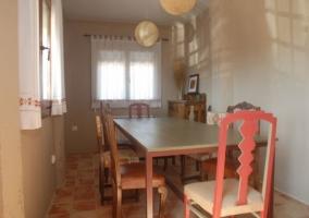 Mesa de comedor para ocho personas