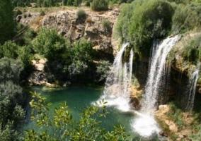 Cascadas y laguna en el Valle de Cabriel
