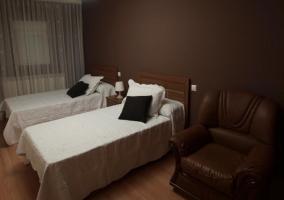 Dormitorio con estructura doble