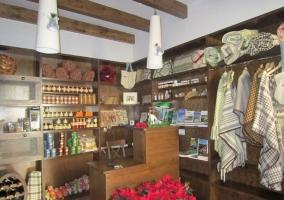 Tienda con productos locales