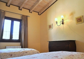 Habitación con dos camas - Casa el Burgo