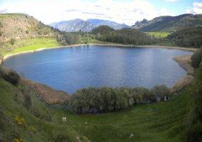 Lago de Montecortés