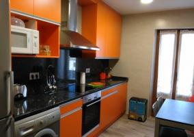 La cocina en naranja