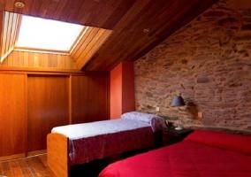 Habitación con cama 1.35 y 90