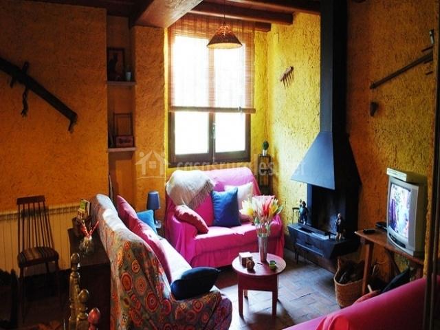 La cabra en monesterio badajoz - Casa rural con chimenea en la habitacion ...