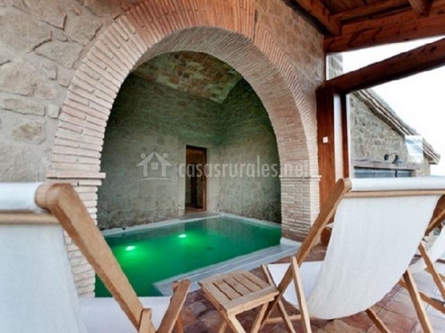 La portella en bassella lleida for Piscina interior