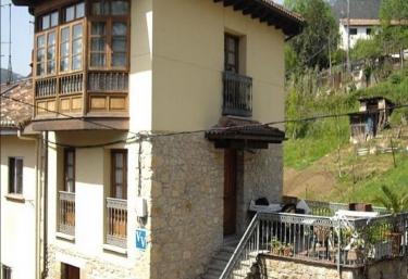 Casa Triana - Infiesto, Asturias