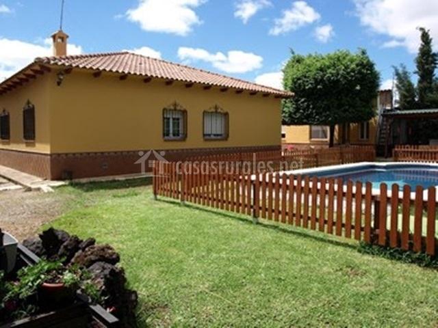 Casa rural do a jimena en el robledo ciudad real - Casa rural jimena ...