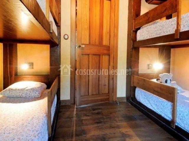Dormitorio para 4 personas con literas