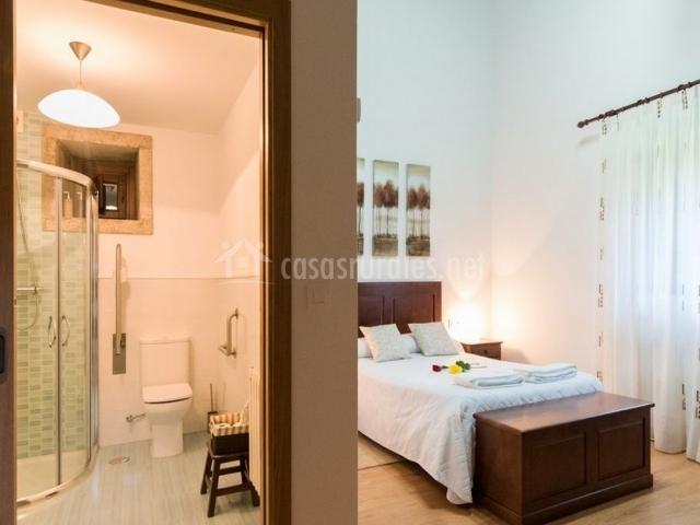 Casa r o sarela en santiago de compostela a coru a for Baul dormitorio matrimonio