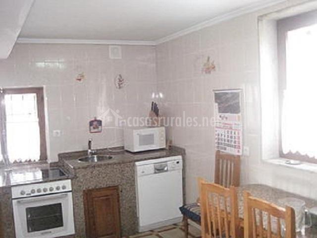 Casa margarita en ovio asturias - Altura encimera cocina ...
