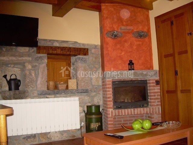 Casa rural el cantu en proaza asturias for Casa rural con chimenea asturias